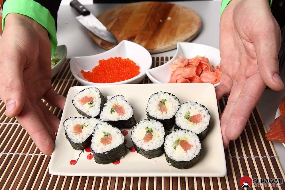Как сделать суши или роллы в домашних